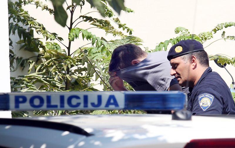 28.08.2019., Sibenik - Privodjenje osumnjicenih u policijsku postaju u Sibeniku. Photo: Dusko Jaramaz/PIXSELL