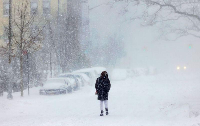 Prošlog tjedna oluja je divljala na zapadnoj obali SAD-a kada je čak i u Kaliforniji napadalo 2 metra snijega.