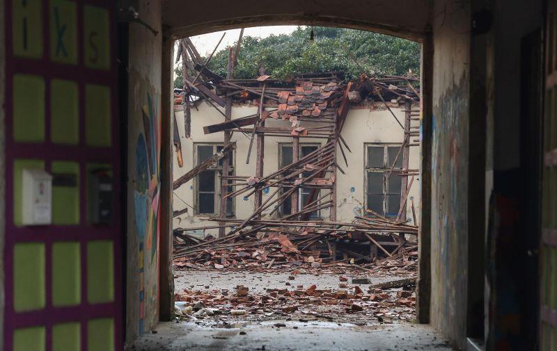 30.12.2020., Petrinja - Snazan potres pogodio je jucer Hrvatsku, epicentar potresa magnitude 6.2 je bio 3 kilometra od Petrinje. Jutro nakon razornog potresa u Petrinji.  Photo: Luka Stanzl/PIXSELL