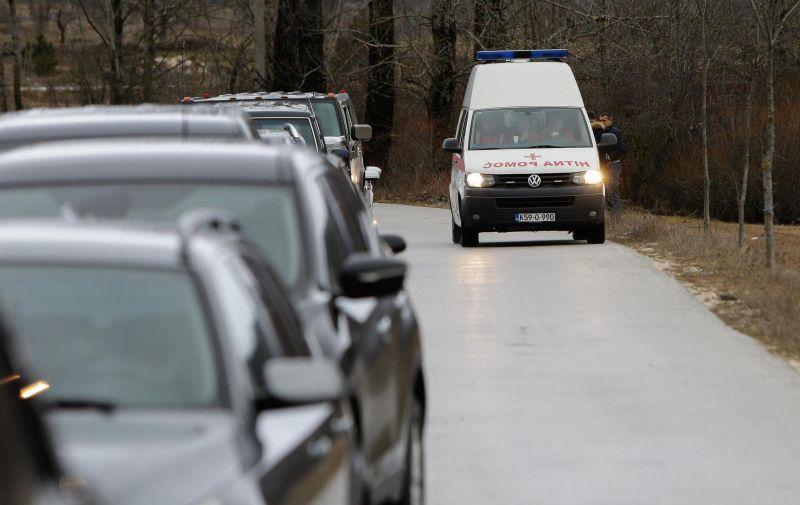 01.01.2021., Posusje - Policija na ulazu u mjesto Tribistovo gdje je smrtno stradalo osam osoba. Photo: Denis Kapetanovic/PIXSELL