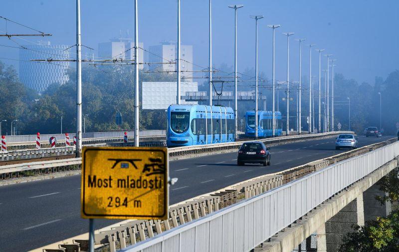 19.10.2020., Zagreb  - U promet je pustena tramvajska pruga na mostu Mladosti.  Photo: Josip Regovic/PIXSELL