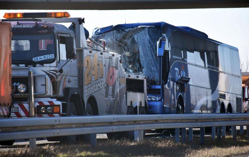 08.02.2020., Babina Greda - Prometna nesreca na autocesti A3 izmedju cvora V. Kopanica i cvora B. Greda u smjeru Lipovca. U prometnoj nesreci sudjelovali su kamion i autobus, a nekoliko osoba je ozlijedjenjo. Photo: Ivica Galovic/PIXSELL