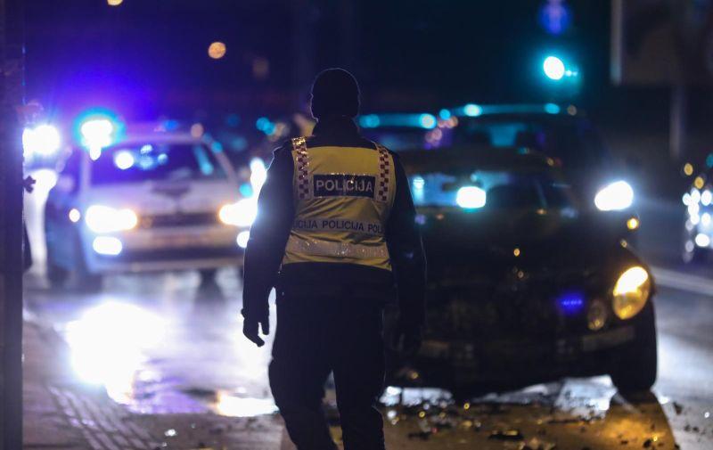 Zagreb: Dvije osobe ozlijeđene u lančanom sudaru tri autoobila u Ilici 19.01.2019., Zagreb - Policijski ocevid nakon lancanog sudara triju vozila u Ilici kod kucnog broja 456. U prometnoj nesreci ozlijedjene su dvije osobe. Photo: Jurica Galoic/PIXSELL
