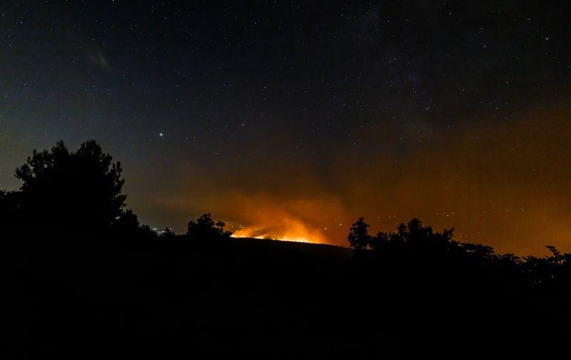 03.08.2021., Labisnica - Tjekom noci situacija na pozaristu je povoljna, pogled s odasiljaca Labinstica na pozariste i okolicu.  Photo: Zvonimir Barisin/PIXSELL