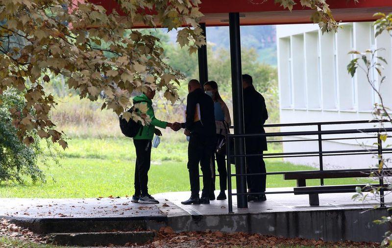 20.09.2021,Krapinske Toplice - Postignut je dogovor o povratku ucenika koji nije zelio nositi masku u skolu Photo: Zeljko Hladika/PIXSELL