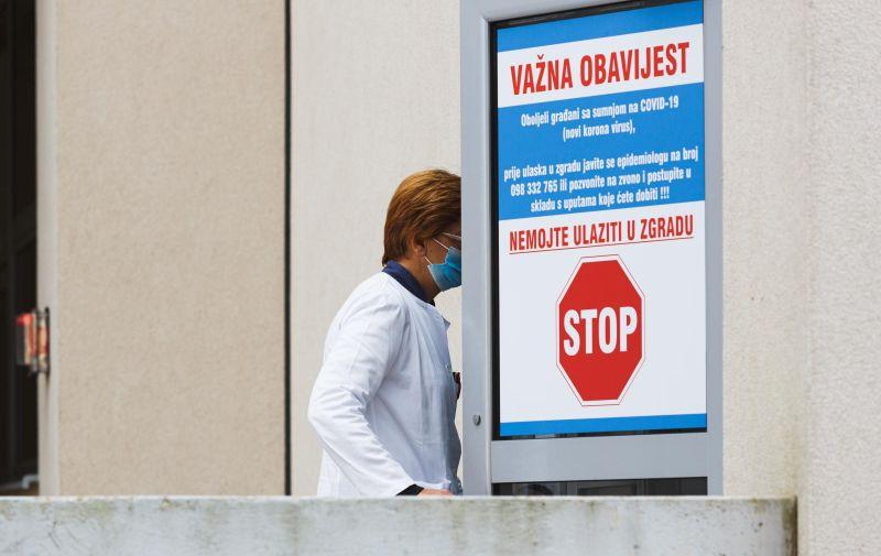 14.10.2020., Zadar - Testiranje na COVID-19 u zadarskoj bolnici.    Photo: Marko Dimic/PIXSELL