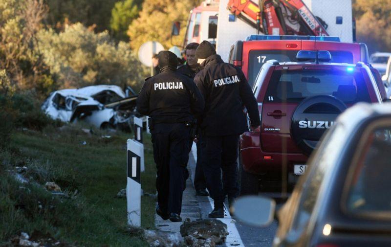 30.11.2020., Sibenik - U prometnoj nesreci na cesti D-8 jedna osoba je smrtno stradala, a dvije su ozlijedjene. Photo: Hrvoje Jelavic/PIXSELL