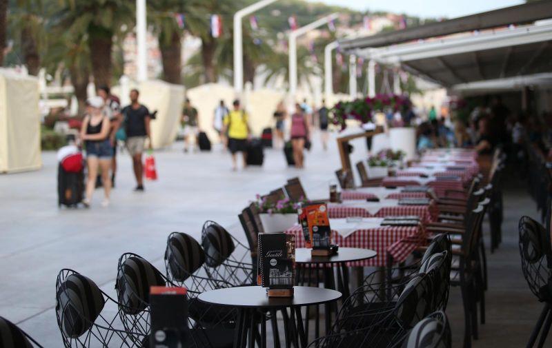 22.06.2019., Split - Prvi ljetni ovosezonski vikend Splicanima je u rano jutro donio pojacan promet prema gradskoj luci ali bez guzvi koje se ocekuju kasnije u toku dana. Photo: Ivo Cagalj/PIXSELL